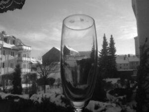 das Glas mit der Kontur...